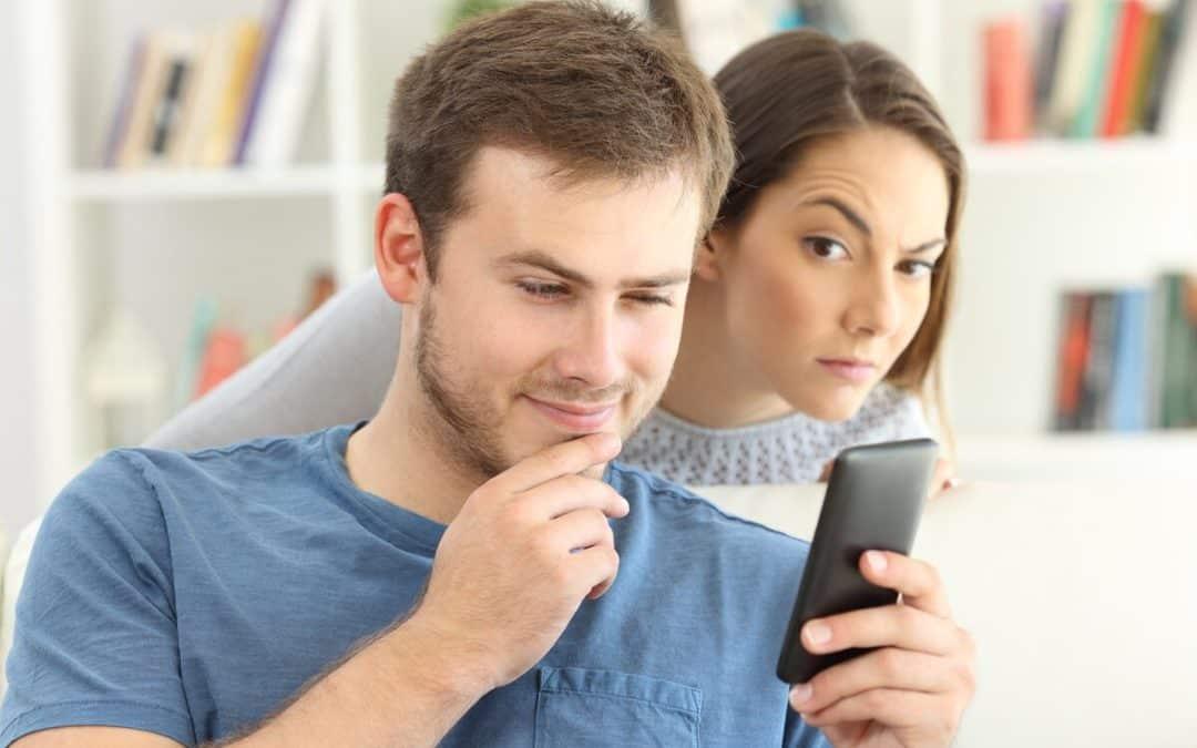 ¿Sabías que el uso de programas para espiar a hijos, pareja o empleados es ilegal?